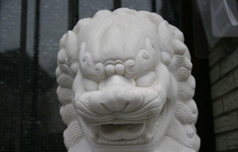 chinesische tempel l wen tempelw chter marmor zu kaufen auf asian. Black Bedroom Furniture Sets. Home Design Ideas