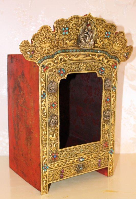 antiker altar schrein gelugpa schule aus tibet zu kaufen. Black Bedroom Furniture Sets. Home Design Ideas