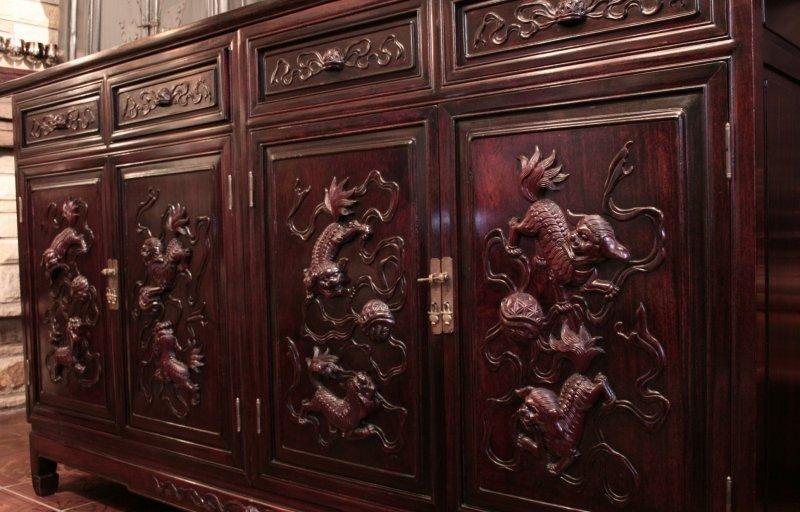 antikes chinesisches sideboard zu kaufen auf asian. Black Bedroom Furniture Sets. Home Design Ideas