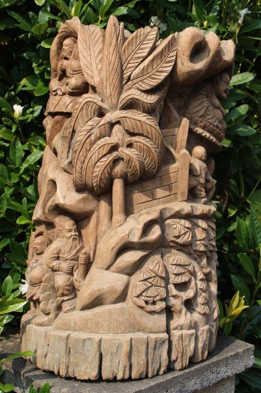 Holzrelief aus China, ca. 60 Jahre alt. Gefertigt aus Moorholz. Maße: 77 x 47 x 27 cm