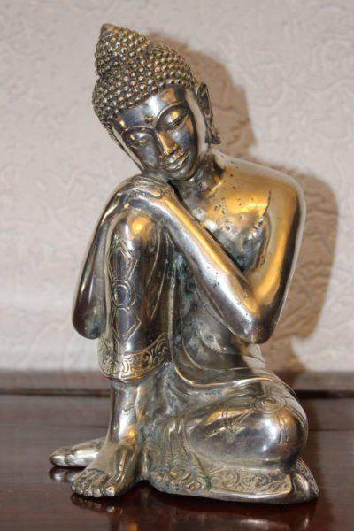 Sitzender Thai Buddha aus Bronze, versilbert