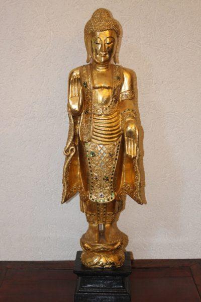 Stehender Buddha aus Holz, Größe 88 x 25 x 17,5 cm