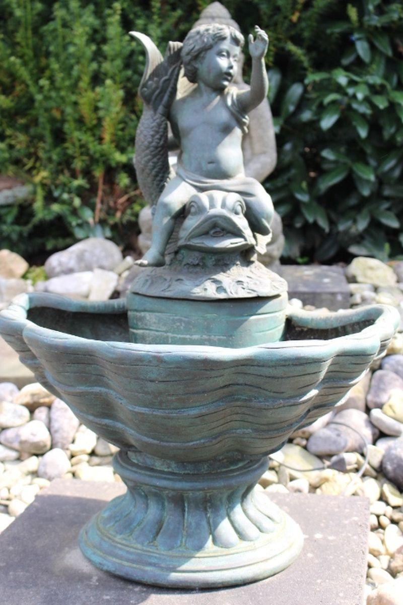 Jugendstil Brunnen aus Bronze. Größe: 70 x 52 x 53 cm