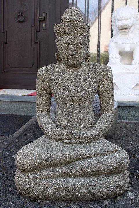 Steinbuddha aus Lavastein, 60 x 41 cm, handgearbeitet