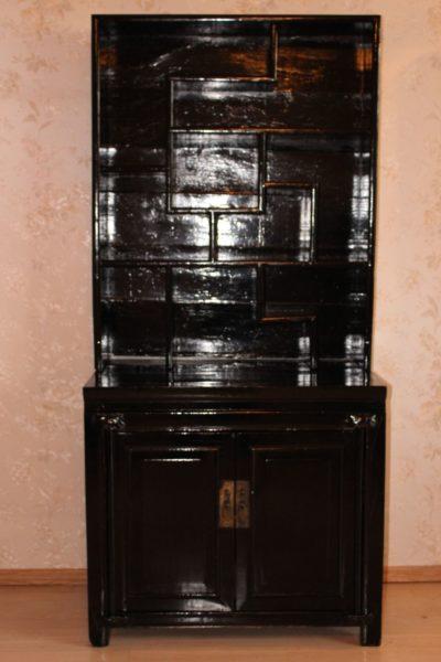Stelagenschrank aus China. Maße: 76,5 x 151,5 x 42 cm