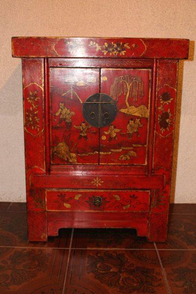 Antike chinesische Kommode, über 100 Jahre alt. Aus Ulmenholz gefertigt.