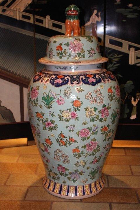 Chinesische Deckelvase, 84 x 40 cm