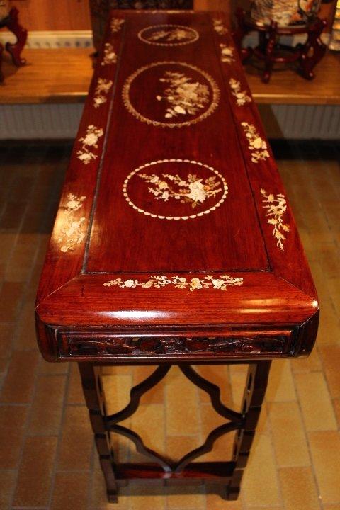 Chinesisches Sideboard / Altartisch aus Rosenholz, 105 x 42 x 153 cm