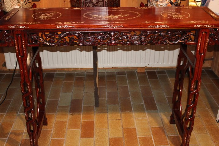chinesisches sideboard altartisch zu kaufen auf asian. Black Bedroom Furniture Sets. Home Design Ideas