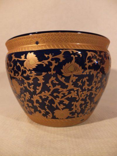 Kleiner chinesischer Blumentopf, 25 cm Material: Porzellan Herkunft: China Maße: 25 cm Durchmesser, Höhe: 19 cm Gewicht: 3 kg