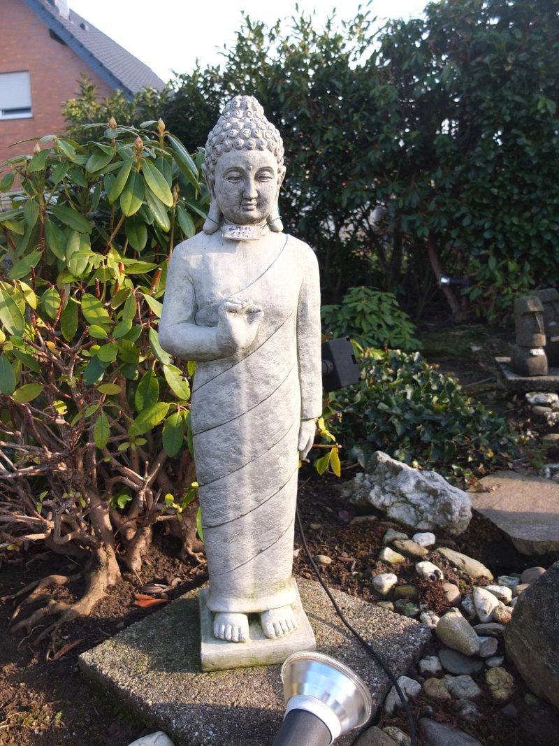 Buddha Figur stehend, für außen