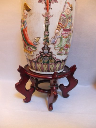 Große antike Vase mit aufwendige Bemalungen Material: Porzellan Herkunft: China Maße: 61 x 27 cm