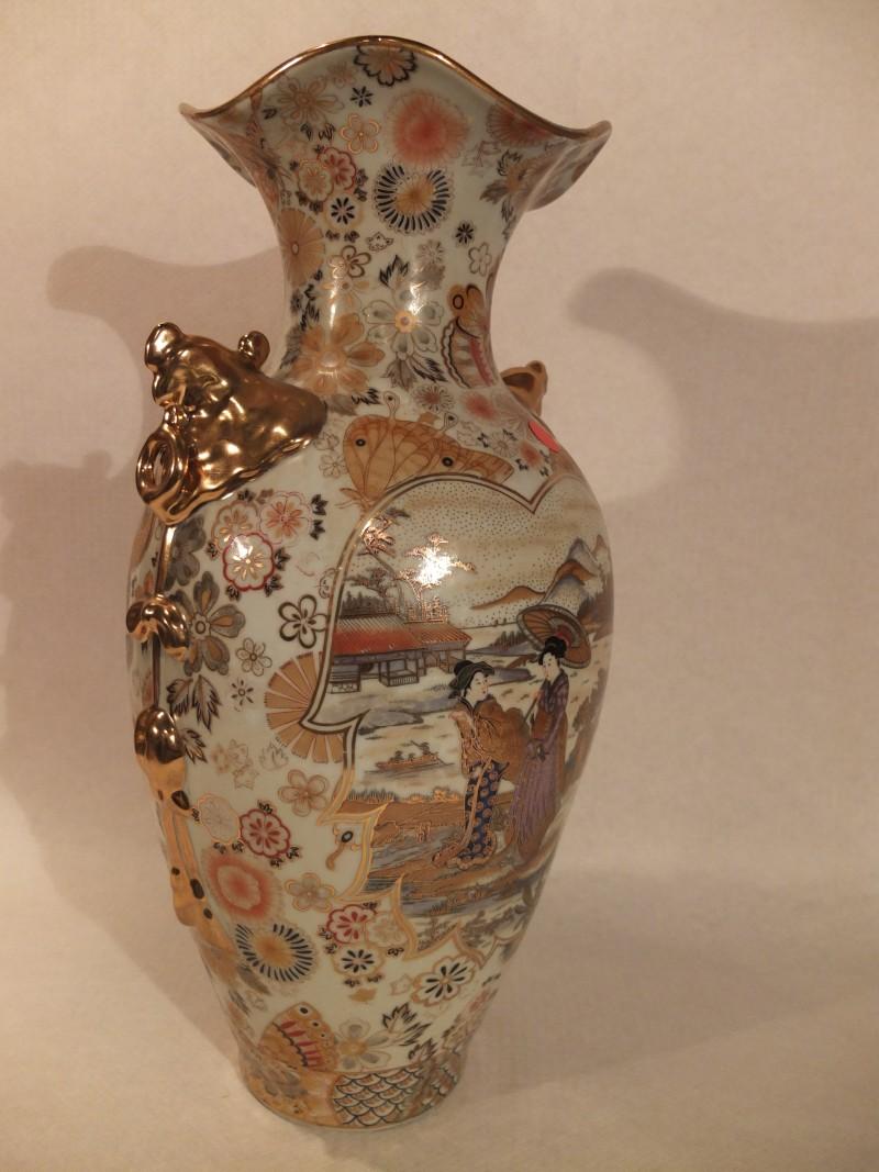 China Vase aus der Han-Dynastie Material: Porzellan Herkunft: China Maße: 45 x 22 cm Gewicht: 5kg