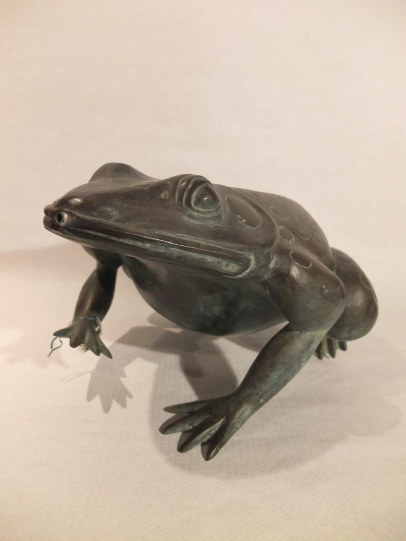 Bronze Brunnen als Frosch