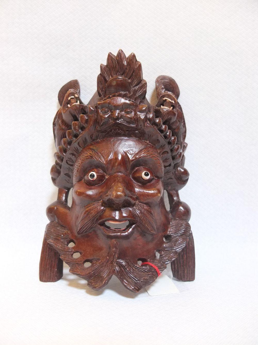 Chinesische Maske aus Ulmenholz