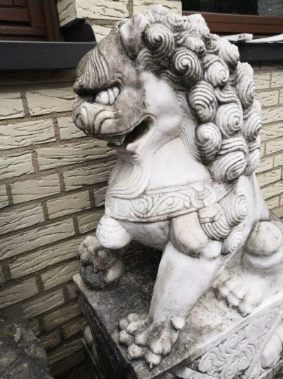 Löwen Paar aus Stein Material: Stein Maße: 95 x 50 x 30 cm Gewicht: 75 kg