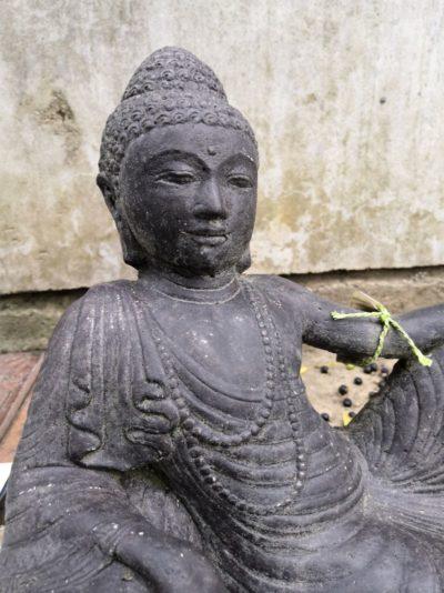 Liegender Buddha Material: Stein Maße: 38 x 32 x 15 cm Gewicht: 7 kg