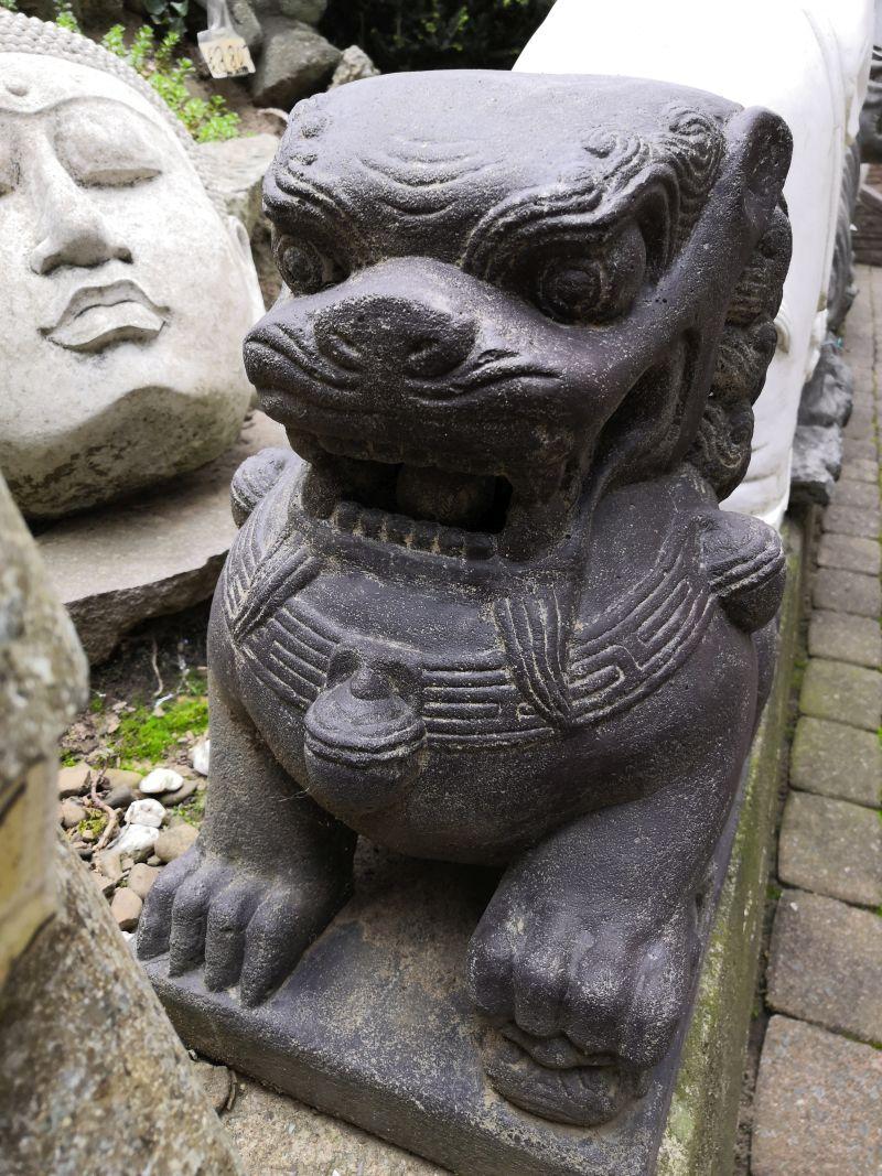 Löwen Paar aus Stein, 40 cm Material: Stein Maße: 40 x 30 x 23 cm Gewicht: 25 kg