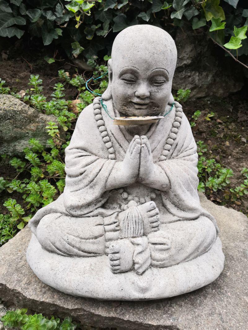 Betender Mönch aus Beton, 37 cm Material: Beton Maße: 37 x 28 cm Gewicht: 20 kg